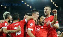 Nati-Trikot signiert von den Schweizer Nationalspielern gewinnen